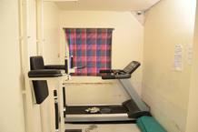 Sala de ejercicio que conforma una de las tres celdas del modulo en el que cumplira Breivik su condena