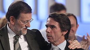 Ver vídeo  'Saludo de Aznar y Rajoy el el 17 Congreso del PP'