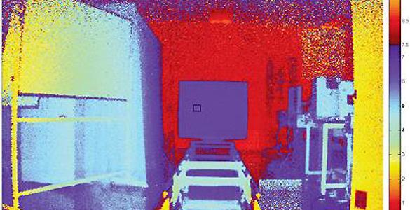 Esta simulación muestra la imagen capturada por el sensor fotográfico, coloreada según la profundidad o distancia exacta hasta cada píxel que se ve en ella