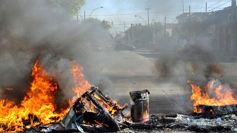 Saqueos en Argentina tras la huelga de agentes de policías