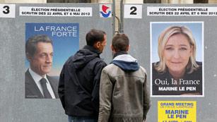Ver vídeo  'Sarkozy y Hollande miran preocupados a otros candidatos'