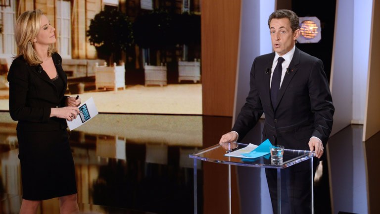 Sarkozy se encara con la periodista que le pregunta sobre Gadafi 
