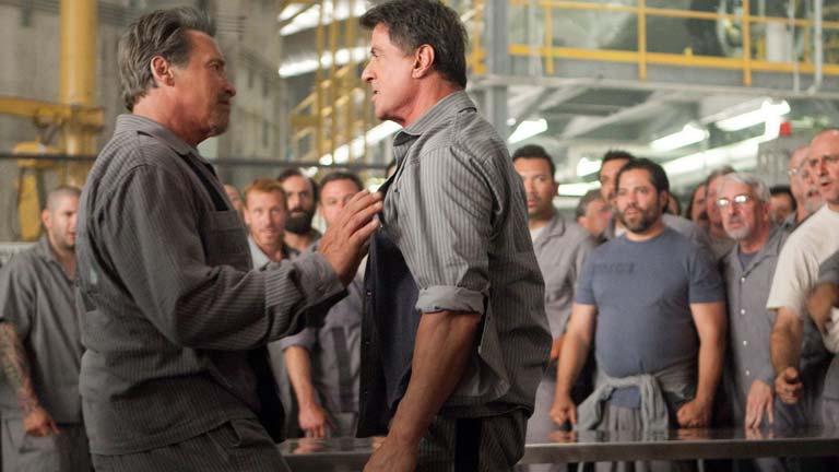RTVE.es te adelanta una escena de 'Plan de escape': Schwarzenegger y Stallone, a tortazo limpio