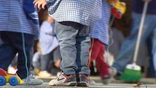 Ver vídeo  'Según un informe de UNICEF la infancia es el colectivo más pobre en España'