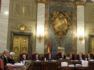 Ver vídeo  'Segunda jornada del juicio en el Tribunal Supremo contra el juez Baltasar Garzón'