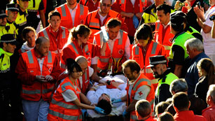 Ver vídeo  'Seis heridos por contusiones en el sexto de San Fermín'