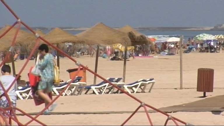 Los termómetros superan los 40 grados en el mediterráneo