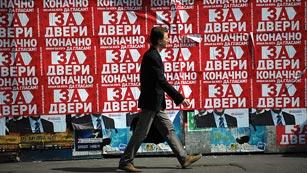 Ver vídeo  'Serbia celebra elecciones este domingo'