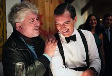 En el set de 'La piel que habito' (2011). Pedro Almodóvar y Antonio Banderas. Foto: José Haro © El Deseo.