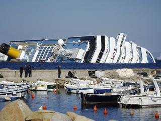Ver vídeo  'Sigue la búsqueda de desaparecidos o atrapados en el barco Costa Concordia'