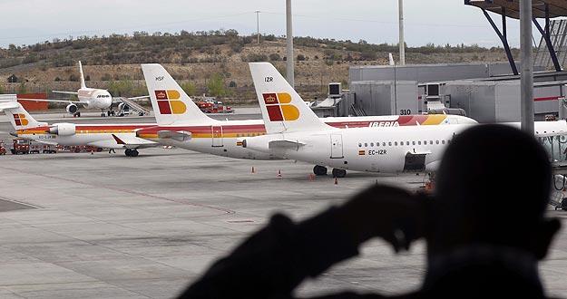 Aviones de Iberia en la T-4 del Aeropuerto de Baraja