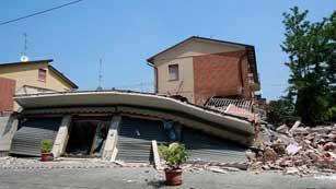 Ver vídeo  'Los sismólogos italianos pronostican pequeños temblores en los próximos días'