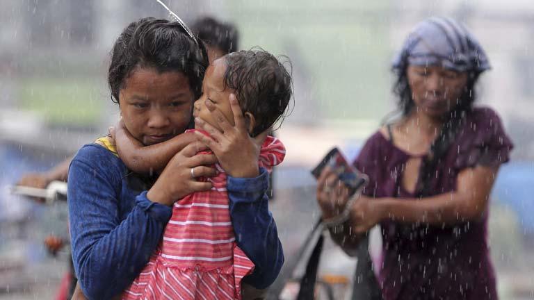 Los supervivientes de la tragedia de Filipinas viven situaciones dramáticas