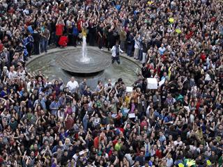 Ver vídeo  'Sociólogos y politólogos analizan el movimiento 15M'