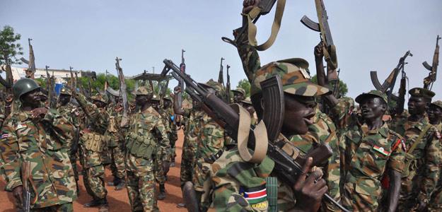 Soldados sudaneses en una base militar
