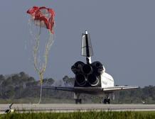 Aterrizaje en Cabo Cañaveral. Ésta ha sido la trigésimo segunda misión espacial del Atlantis y la 132 realizada por los transbordadores desde que iniciaron su servicio en abril de 1981.