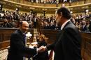 Alfredo Pérez Rubalcaba saluda al que ha sido su rival durante las pasadas elecciones.