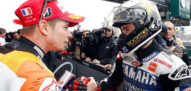 Stoner felicita a Lorenzo por su victoria en Le Mans.