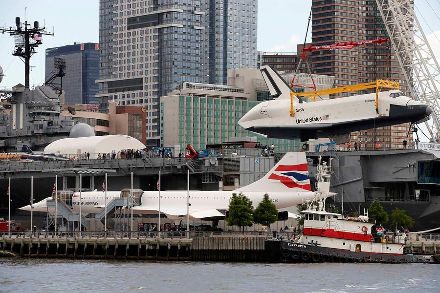 <strong>La Enterprise ya está en su nuevo hogar: el museo-portaaviones Intrepid </strong>