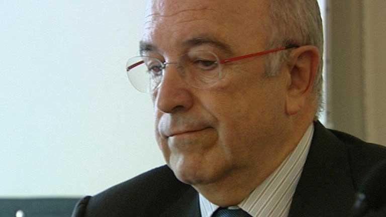 Joaquín Almunia sugiere que se abra una línea de crédito para los afectados por preferentes