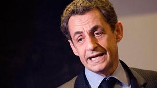 Ver vídeo  'Los supuestos lazos con Gadafi complican la segunda vuelta a Nicolás Sarkozy'