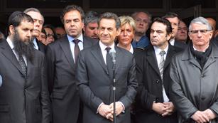Ver vídeo  'Suspendida la campaña para las presidenciales francesas por el tiroteo en Toulouse'