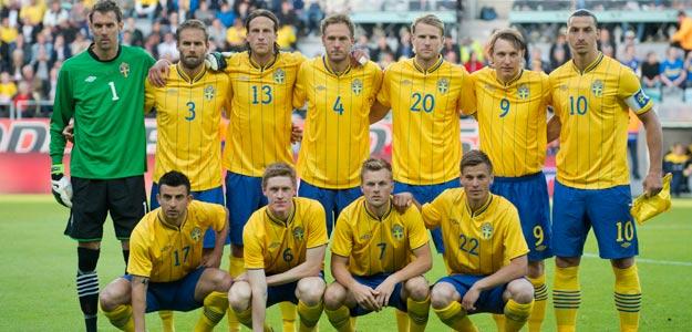 La selección sueca posa antes de un amistoso preparatorio de la Eurocopa