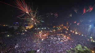 Ver vídeo  'Tahrir apoya el golpe de Estado de los militares'