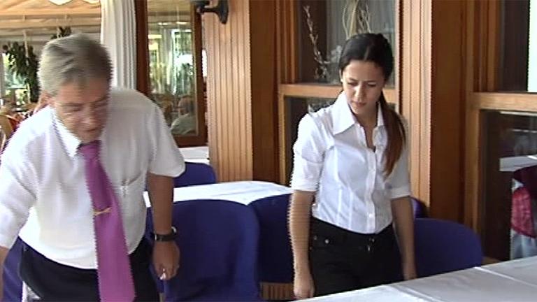 Tamara ya trabaja como camarera para sacar adelante a su familia
