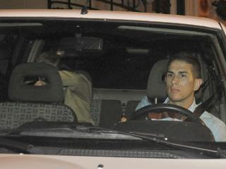 Ver vídeo  'Teddy Bautista y otras ocho personas detenidas tras el registro de la SGAE'