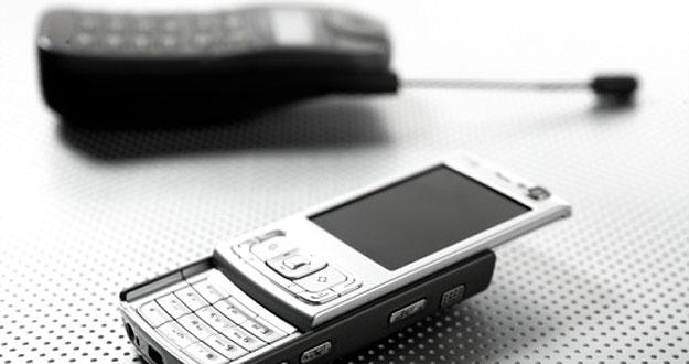 Los teléfonos móviles han evolucionado a velocidad de vértigo en sus casi tres décadas de existencia.