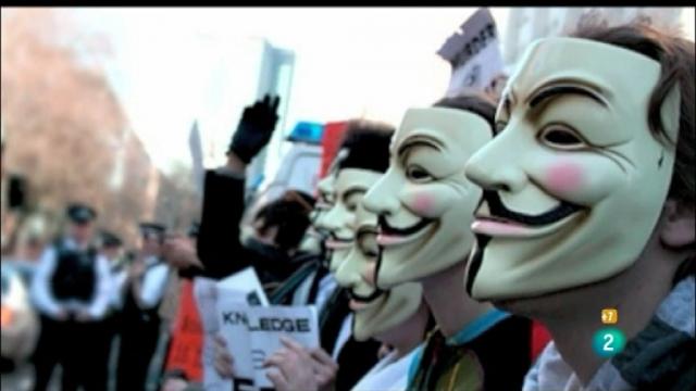 Хакеры из Anonymous отчитались о взломе Facebook, Skype, Apple и Microsoft.
