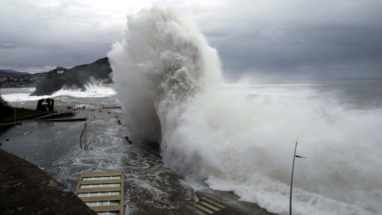 27 provincias están en alerta por un temporal que remite en la cornisa cantábrica