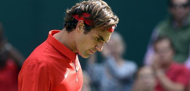 El tenista suizo Roger Federer celebra un punto ante el estadounidense John Isner