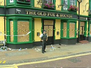 Ver vídeo  'Tensión en los barrios londinenses ante brotes de violencia'