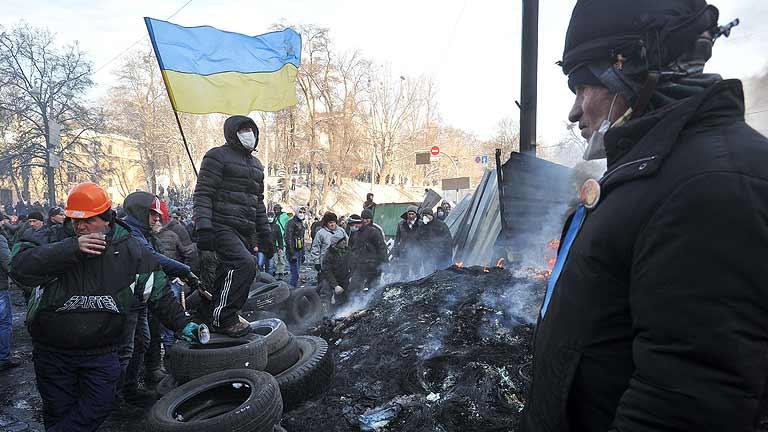 Manifestantes y policía acuerdan una tregua a la espera de las negociaciones