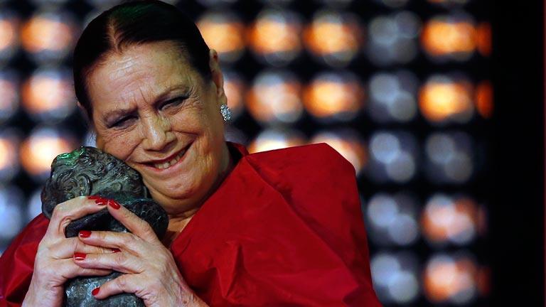 Terele Pávez recibe su primer Goya: mejor actriz de reparto por