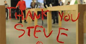#ThankYouSteve: homenajes en la Red y altares en las tiendas Apple tras la muerte de Jobs