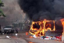 Tiendas de campañas destruidas por el fuego en la plaza Radaa al-Adawiy, en El Cairo. Durante el ataque de las fuerzas de seguridad egipcias a las acampadas organizadas por los seguidores del depuesto presidente Morsi.