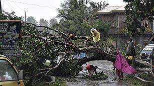 Ver vídeo  'El tifón Bopha golpea Filipinas y obliga a evacuar a miles de personas'