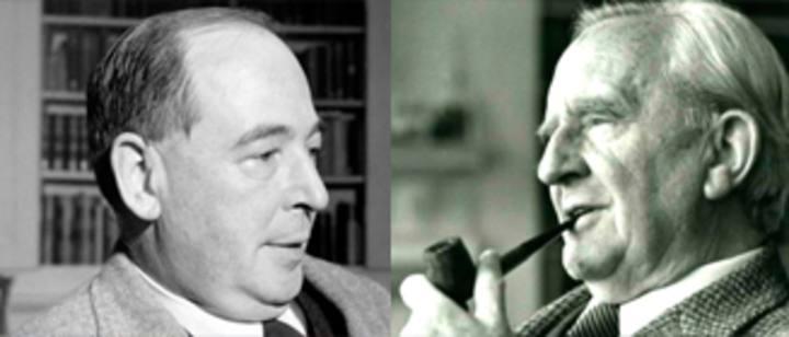 Los escritores J. R. R. Tolkien y C. S. Lewis.