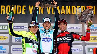 Ver vídeo  'Tom Boonen supera a los italianos en Flandes'