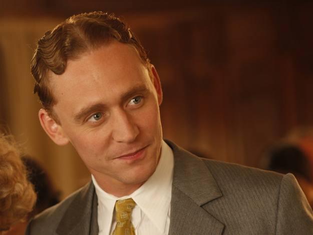 Tom Hiddleston ha interpretado recientemente el papel del escritor F.Scott Fitzgerald en la última película de Woody Allen, ¿Midnight in Paris¿. Protagoniza, junto con Rachel Weisz, 'The deep blue sea'.