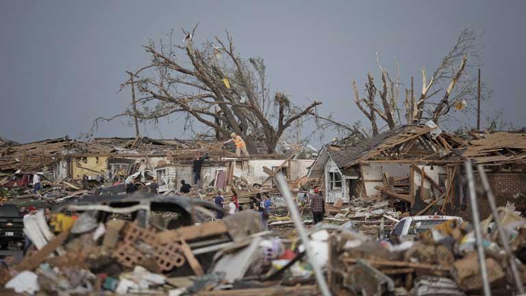 Decenas de muertos y desaparecidos por un devastador tornado en Oklahoma