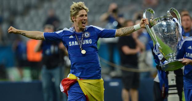 Torres celebra la consecución de la Champions League.