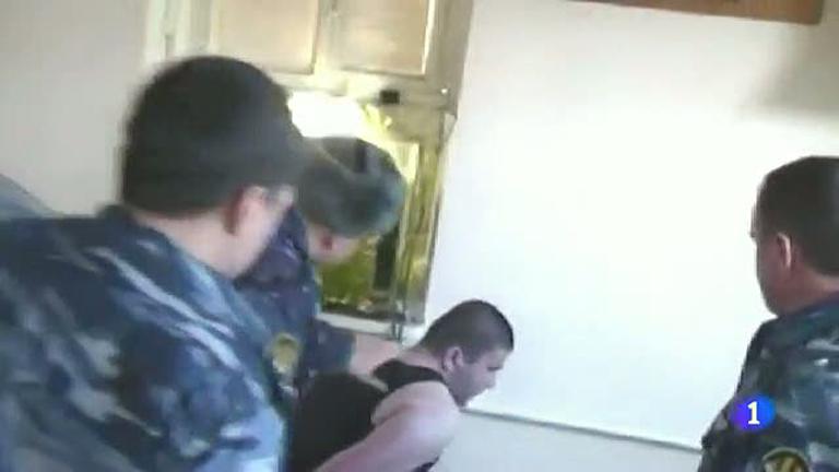 Sale a la luz una grabación que muestra torturas a un preso por parte de cinco funcionarios rusos