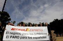 Trabajadores de Iberia protestan contra la creación de la filial de bajo coste