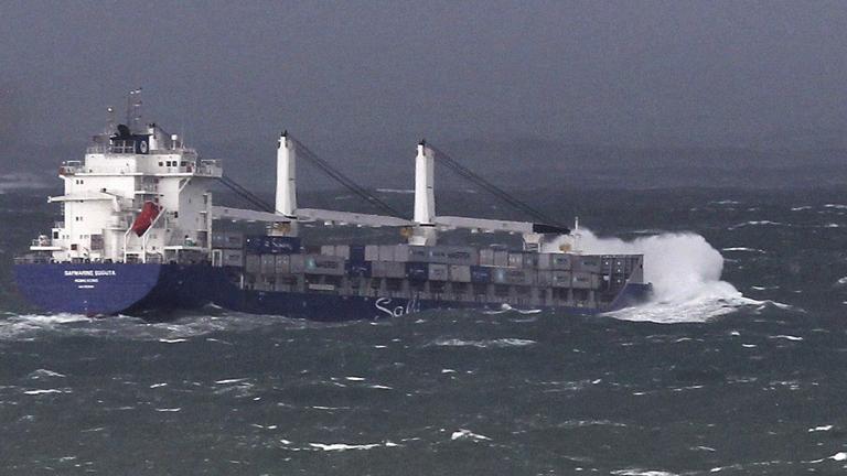 El tráfico de mercancías aumentó un 4% en 2012 en los puertos españoles