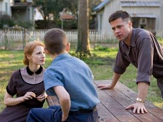 Ver vídeo  'Tráiler de Él árbol de la vida' (The Tree of life'), de Terrence Malick, con Brad Pitt y Sean Penn.'