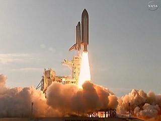 Ver vídeo  'El transbordador Discovery parte hacia su última misión espacial'